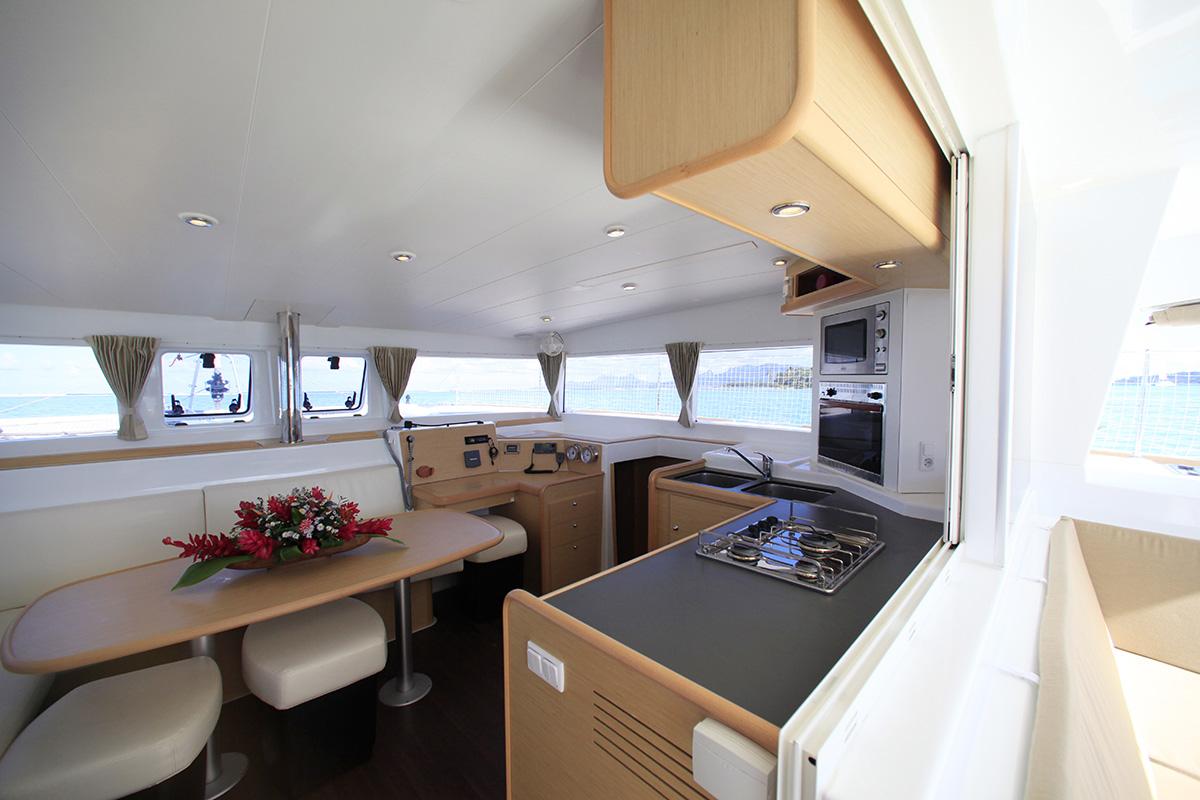 Tahiti_Yacht_Charter_16