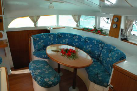 Catamarans_Lagoon_380_06