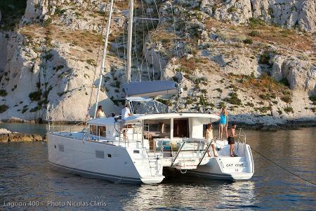 Catamarans_Lagoon_400_01