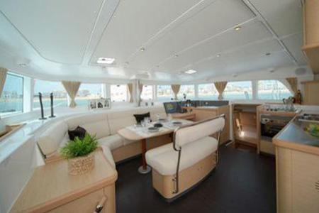 Catamarans_Lagoon_440_051